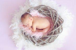 newborn poseren