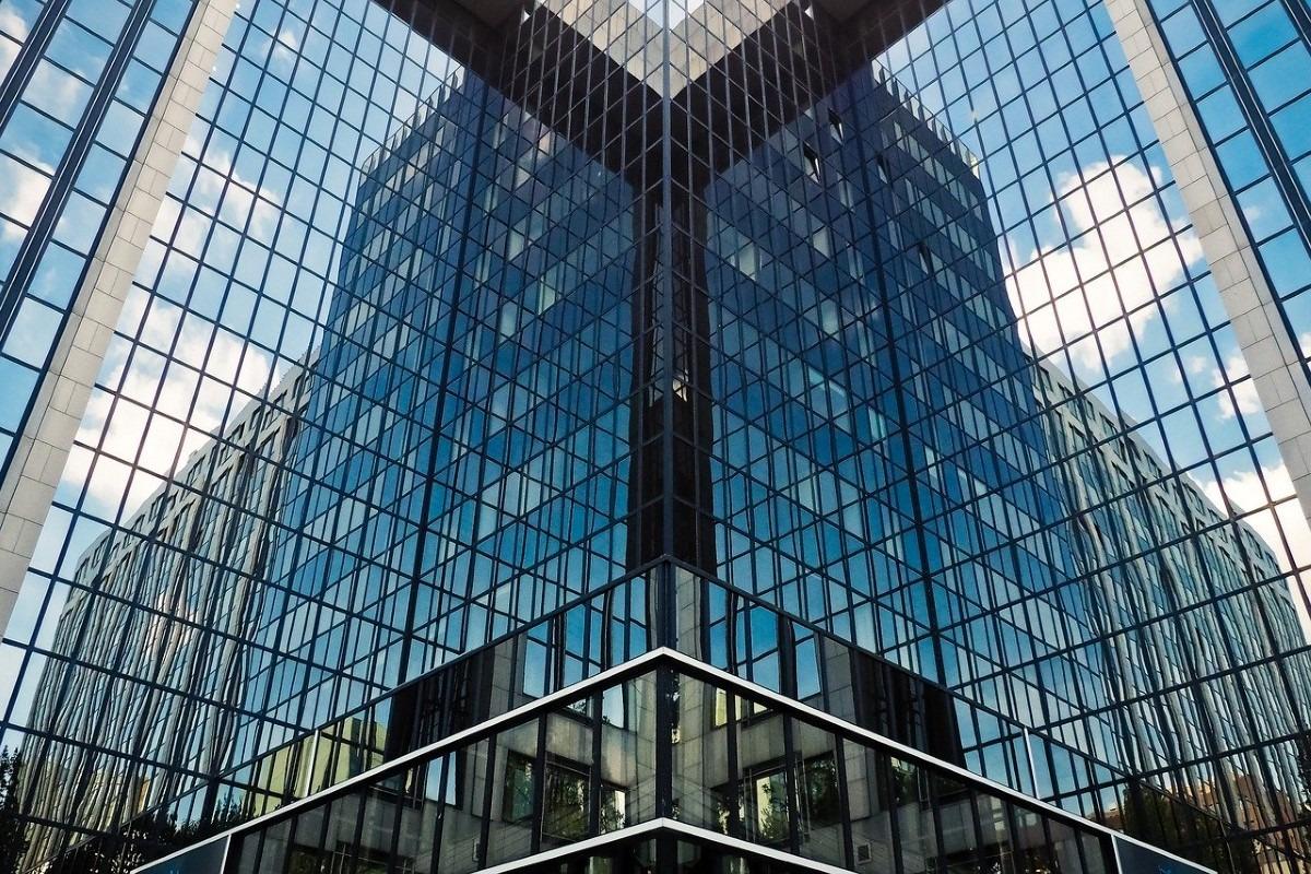 Architectuur reflectie glas