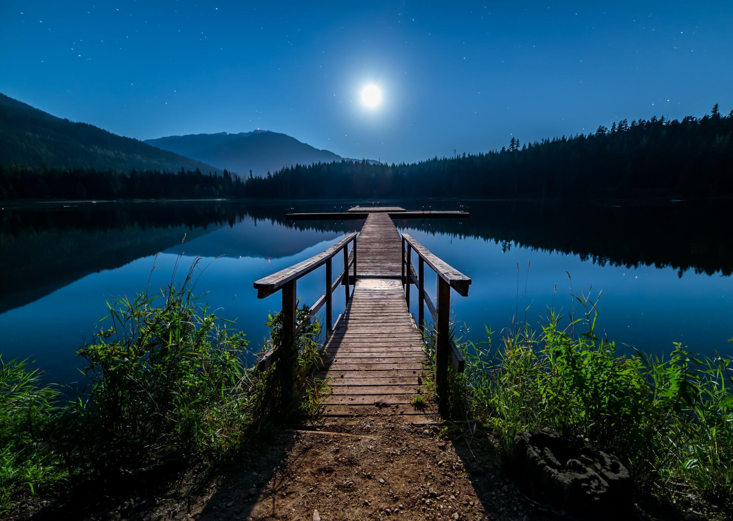 Landschap verlichten in de avond