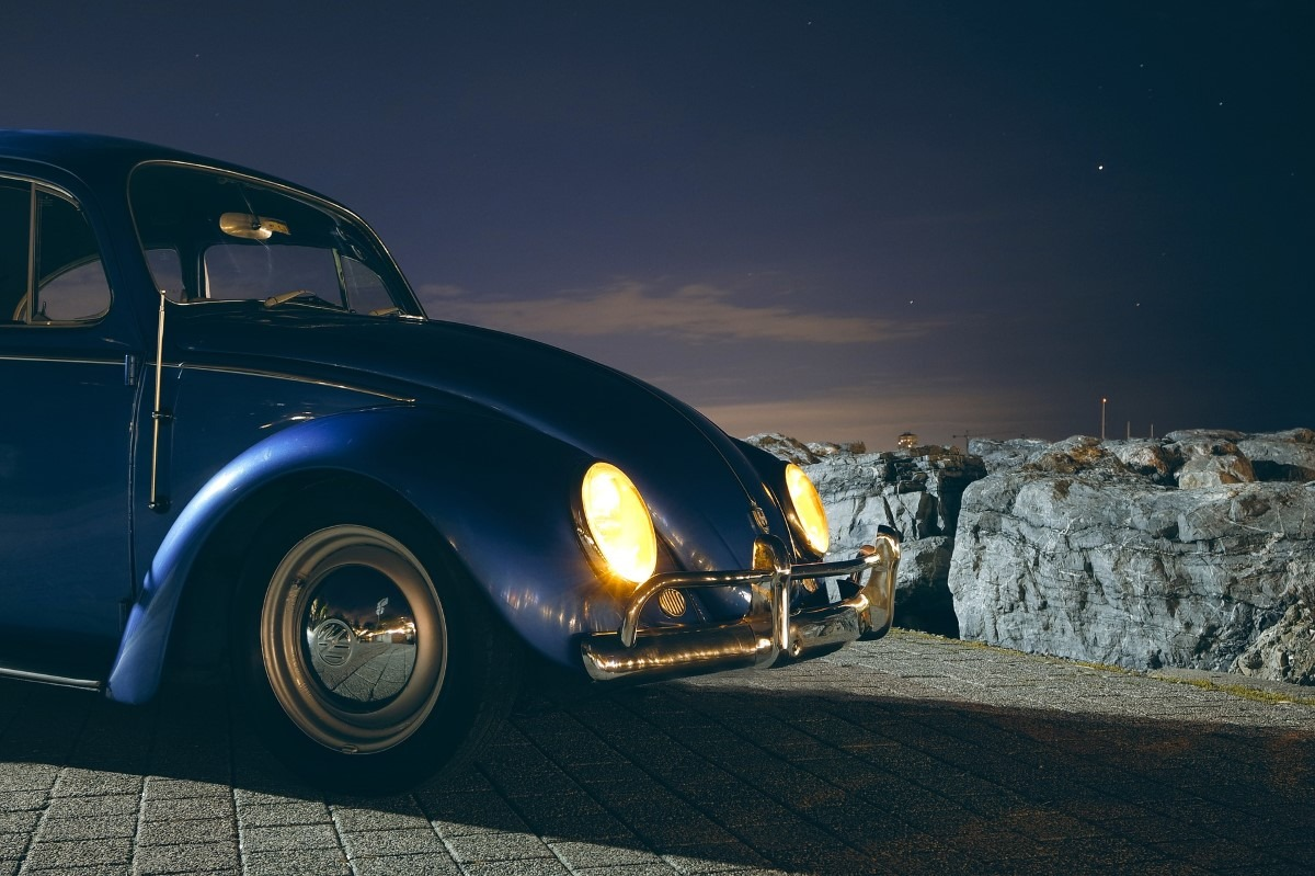 Auto fotograferen in de nacht